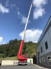grue mobile KATO 35 Ton City Crane -- Only 18,941kms from New